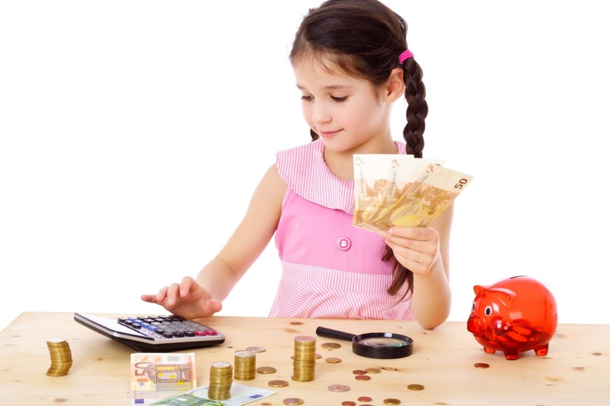 Sukanya Samriddhi Yojana Vs PPF – Which is the best investment for your daughter?